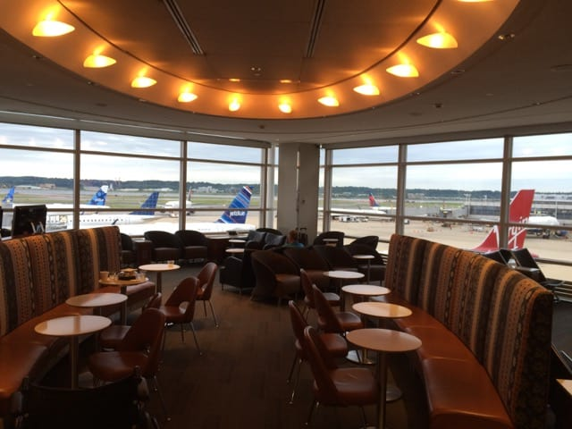 Admirals Club DCA