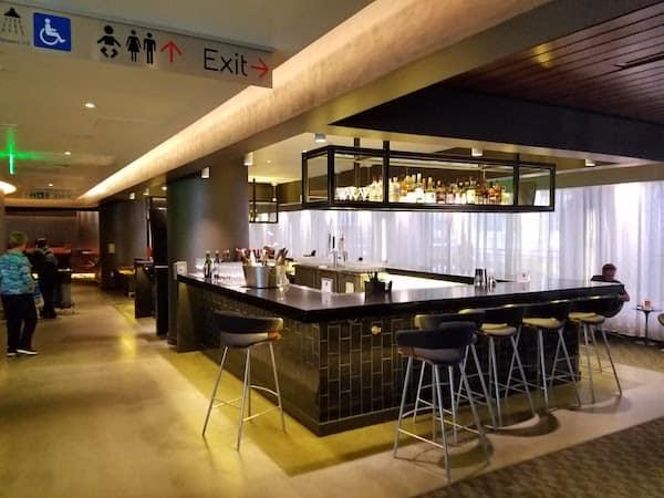 oneworld Business Class Lounge LAX