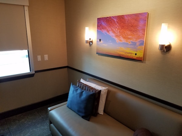 Minute Suites DFW
